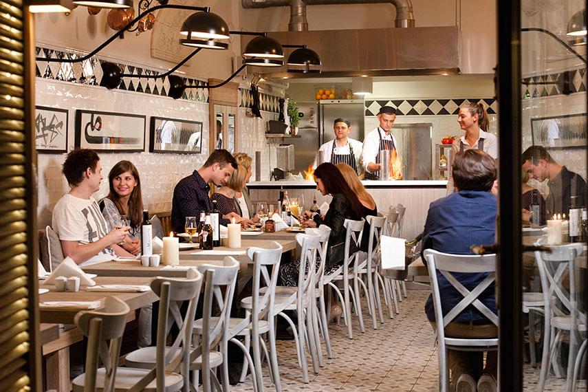 Bianca Restauracja Kameralna Mała Restauracja W Uroczym